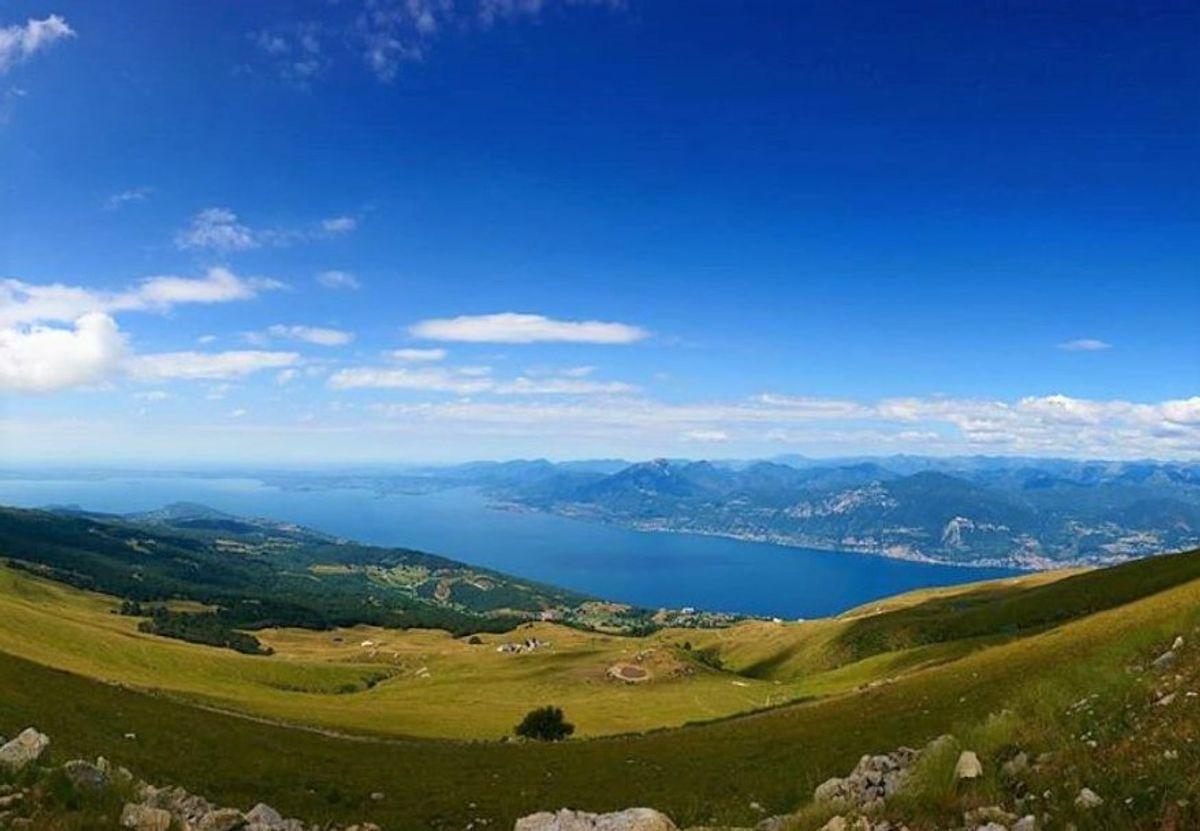 event-Trekking & Yoga Panoramico: Vista a 360° sul Monte Baldo