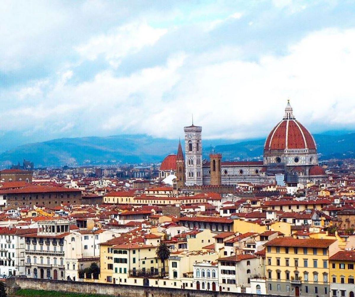 event-Firenze Col Naso all'Insù: Uno Sguardo Tutto Nuovo sulla Città di Dante