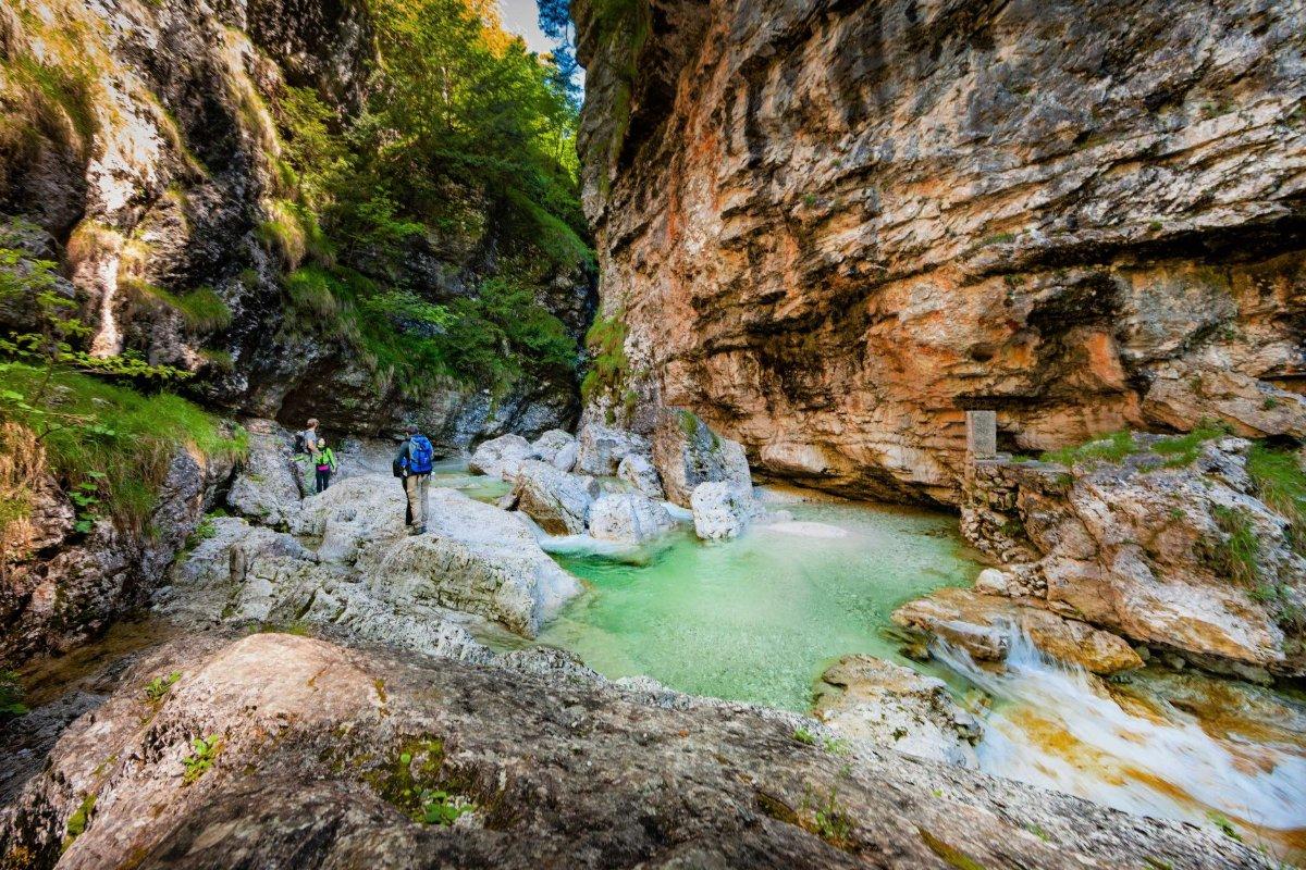 event-Trekking nella Valle Incantata: Cadini del Brenton e le Cascate della Soffia