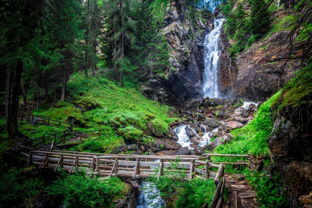 event-Inebriati in Val di Rabbi: Escursione alle Cascate del Saent