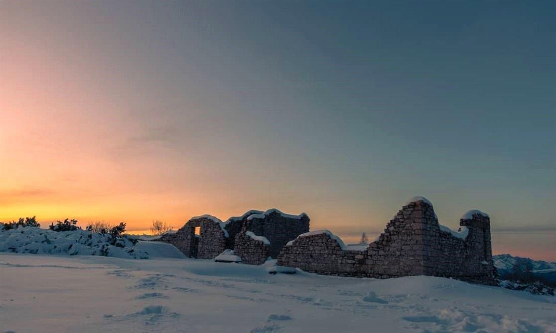 event-Ciaspolata sul Monte Zugna, la magia del tramonto sulle tracce dei lupi