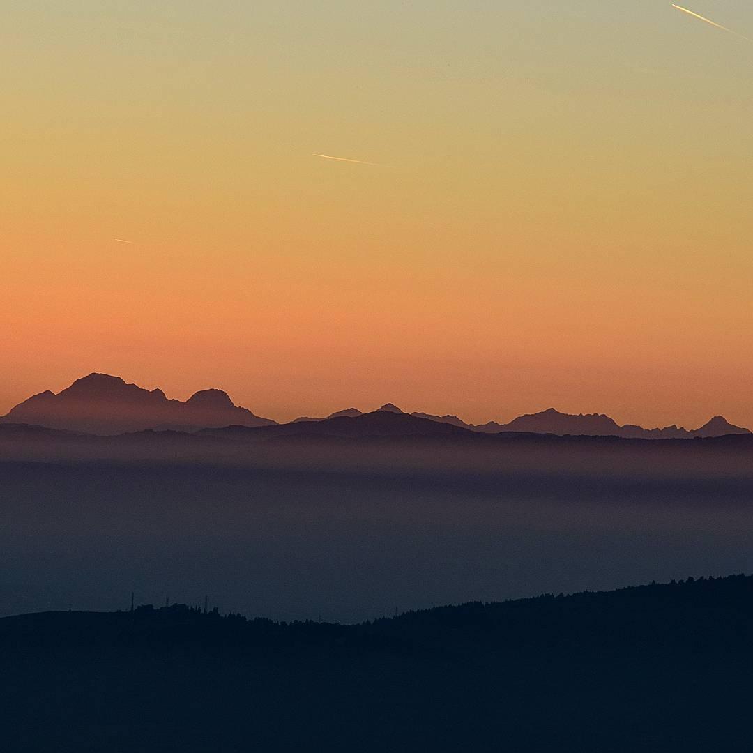 event-Trekking al Tramonto sul Monte Morello: Un'Oasi a picco su Firenze
