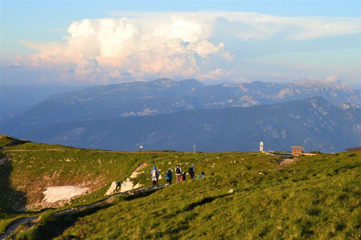 event-Magico Trekking al Tramonto sul Monte Altissimo di Nago