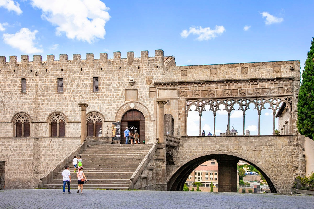 event-Visita Guidata di Viterbo: Città dei Papi e delle Fontane
