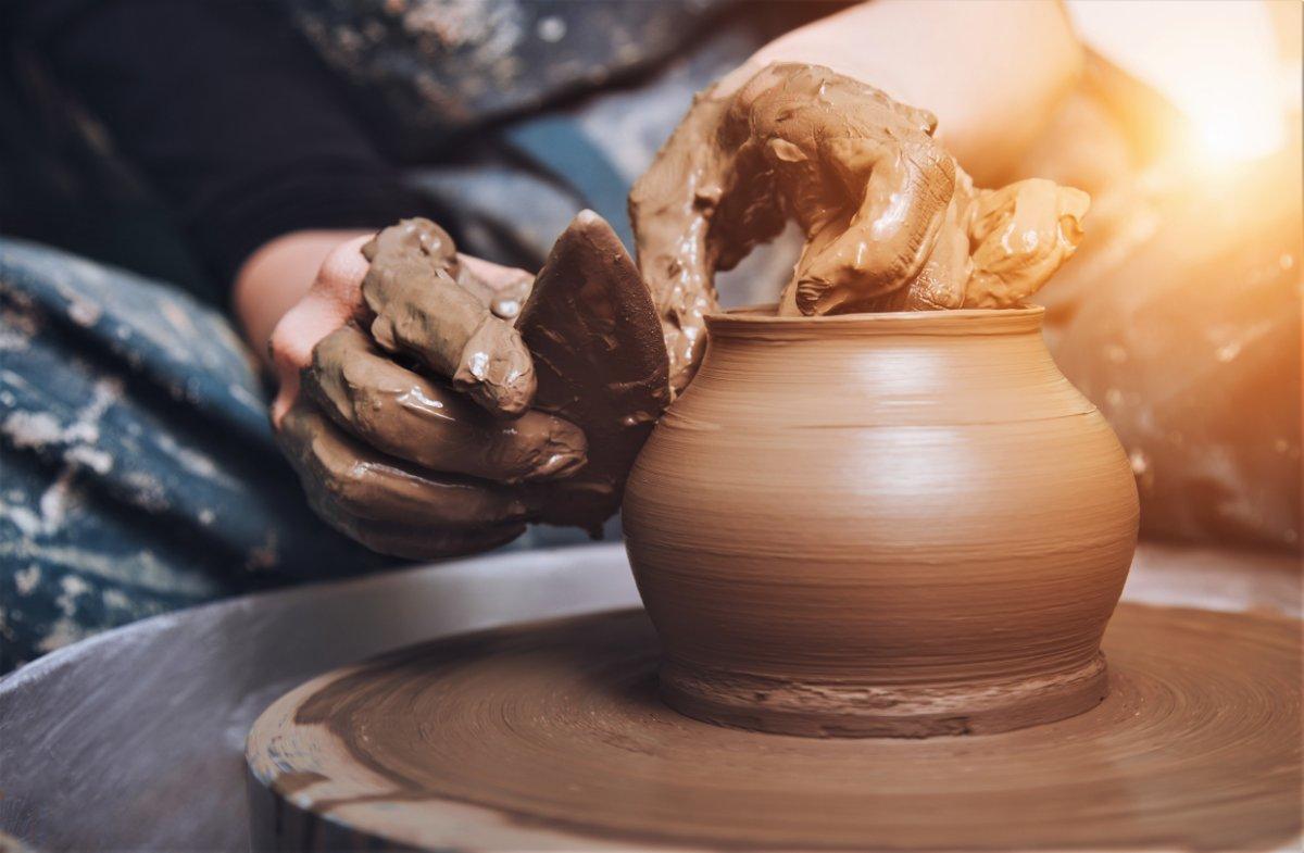 event-A Lezione dai Maestri Ceramisti: La Tecnica della Lastra