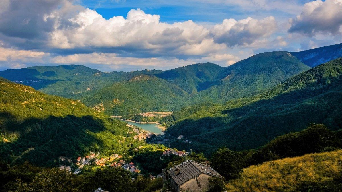 event-Campocatino e l'Eremo di San Viano: Una Camminata nel Parco Alpi Apuane