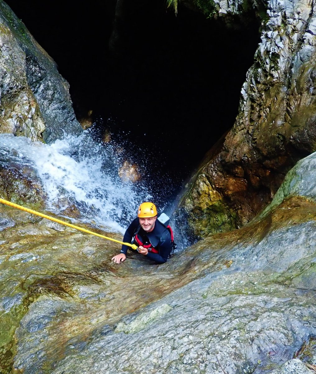 event-Canyoning Adrenalinico sulle Acque del Torrente Palvico - POMERIGGIO