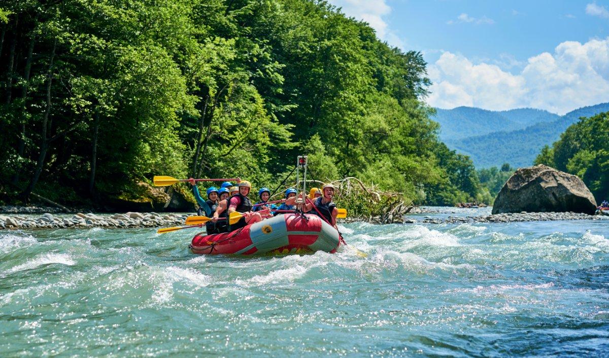 event-Due Giorni Inediti: Il Bosco dei Poeti e un Emozionante Rafting nel Fiume Adige