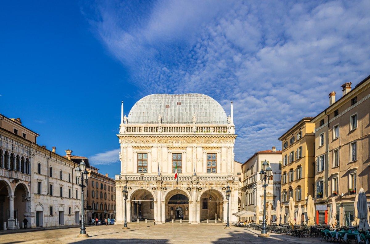 event-La Meravigliosa Brescia: Da Piazza del Foro a Piazza Vittoria