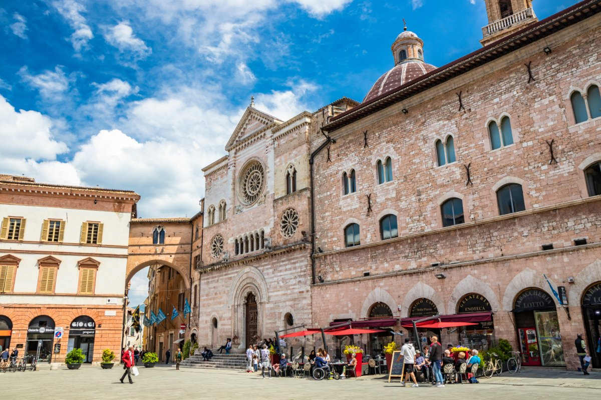 event-Tour Enogastronomico con Aperitivo a Foligno: Piccola Perla Umbra