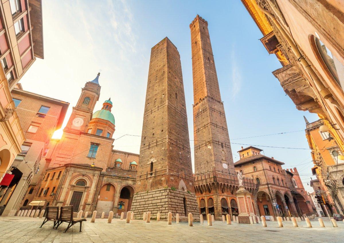 event-Bologna da una Prospettiva Inedita: Uscita Interattiva in Lingua Inglese