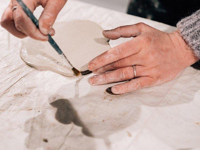 event-Corso dai Maestri Ceramisti: Impariamo la Pittura con Argilla su Tela