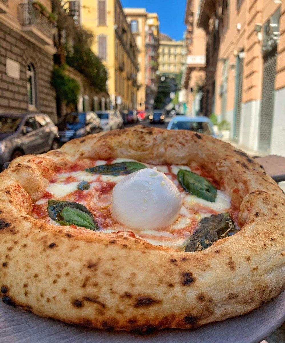 event-Napoli tra Tradizioni e Sapori