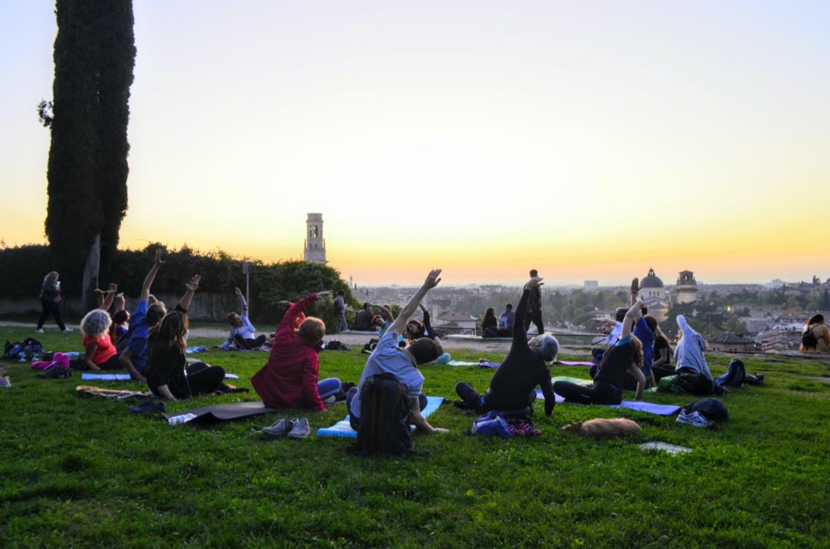 event-Yoga e Passeggiata Panoramica al Tramonto a Colle San Pietro