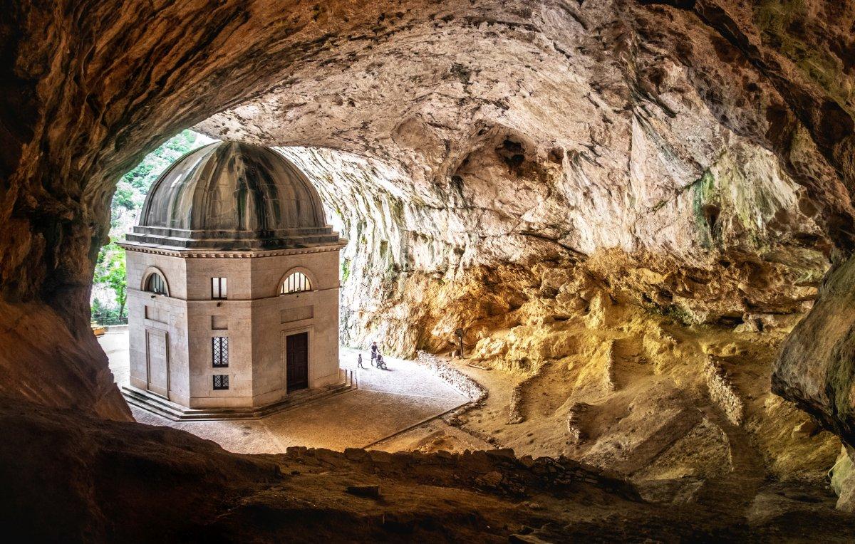 event-I Preziosi Sentieri dalla Grotta del Vernino al Tempio di Valadier