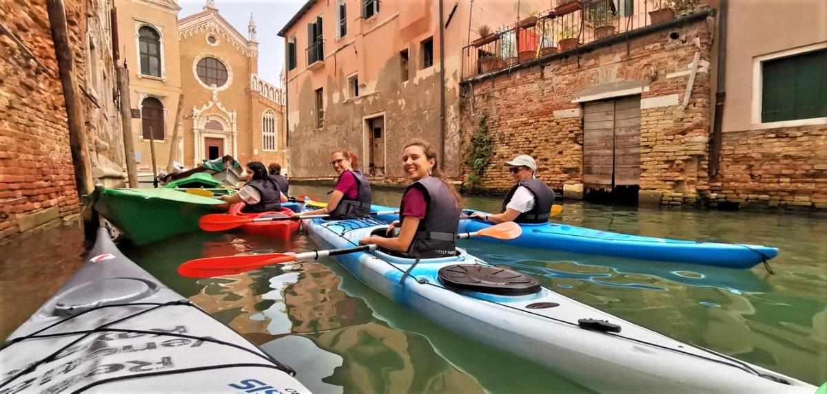 event-Un Inedito Tour in Kayak nei Canali Storici di Venezia