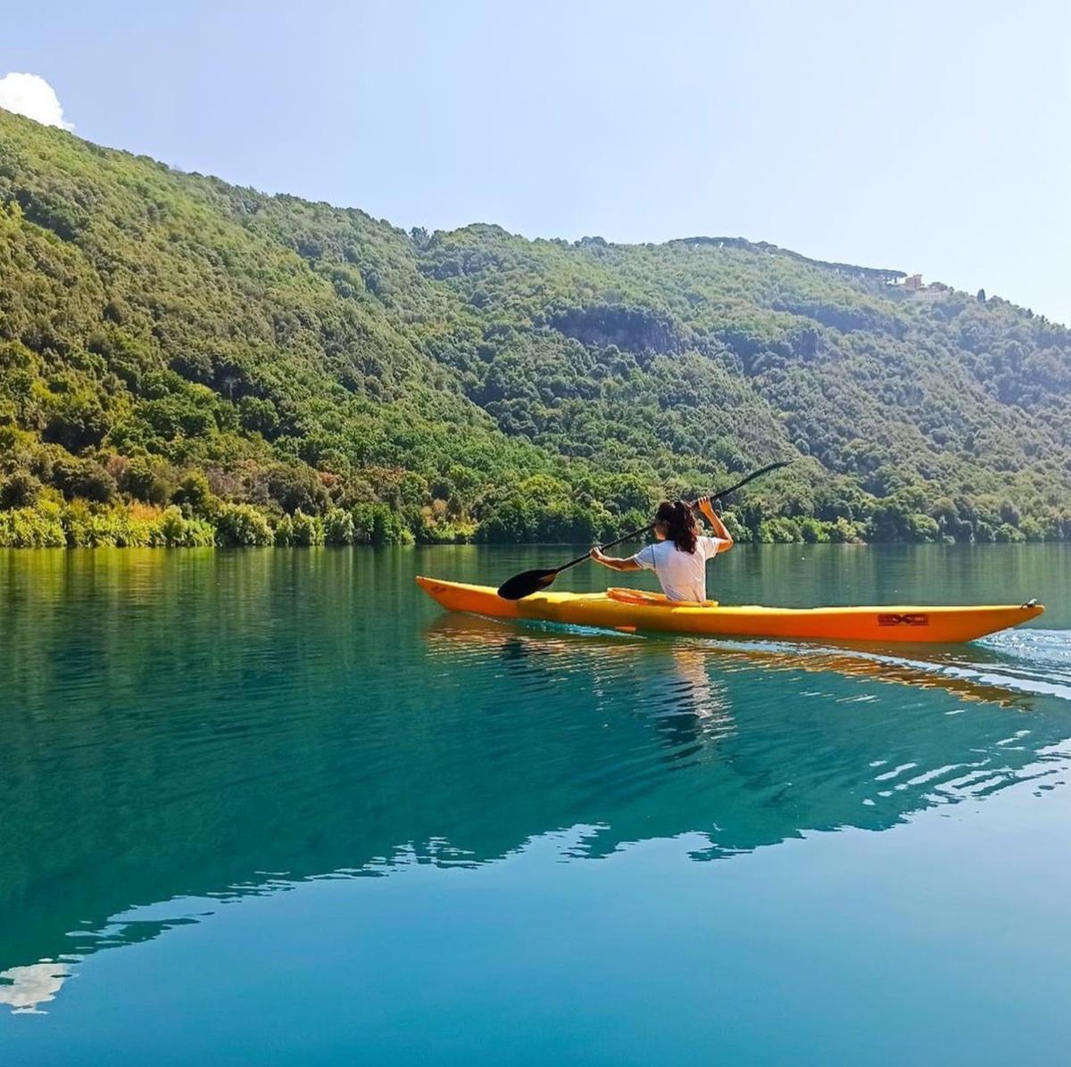 event-Tour in Kayak della Roma Antica: Il Lago dei Papi e degli Imperatori