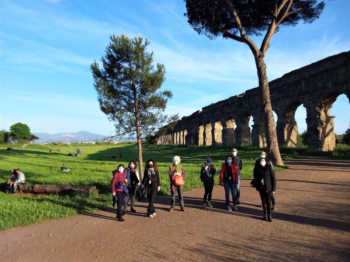 event-Passeggiata al Tramonto con Aperitivo lungo gli Acquedotti Romani
