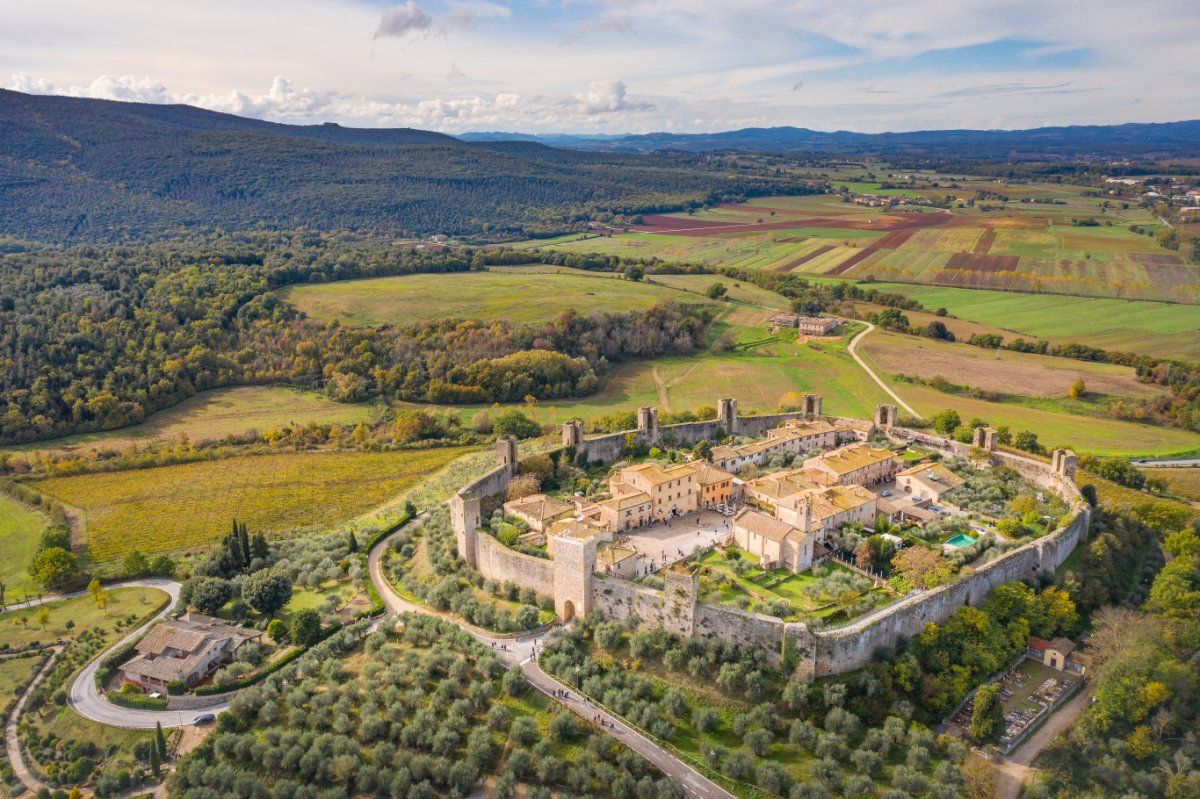 event-Un Itinerario nella Storia: Il Borgo Medievale di Monteriggioni