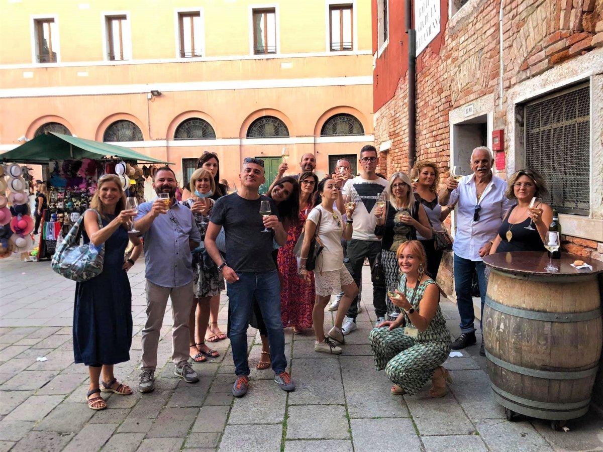 event-Bacaro Tour a Santa Croce e San Polo: Immersione nei Sapori Veneziani