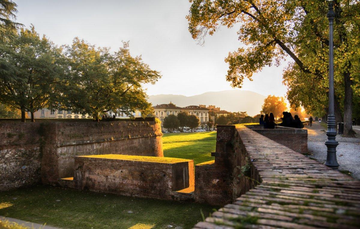 event-Lucca Inedita: Tour Serale con vista sulla Città