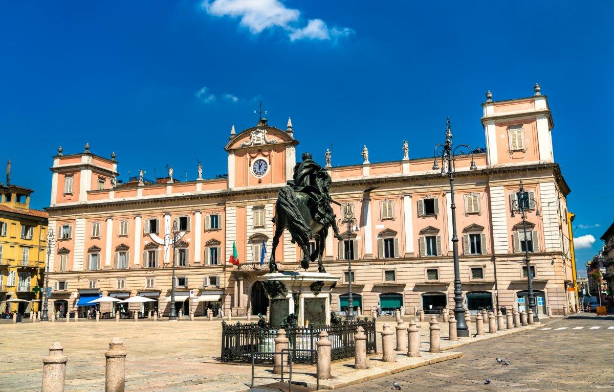 event-Piacenza la Primogenita: Tour tra Chiese, Mura e Palazzi