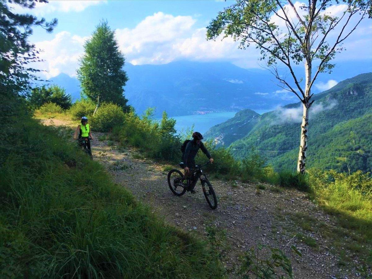 event-La Scenic Route 65: Magico Tour in E-Bike con Vista sul Lago di Como