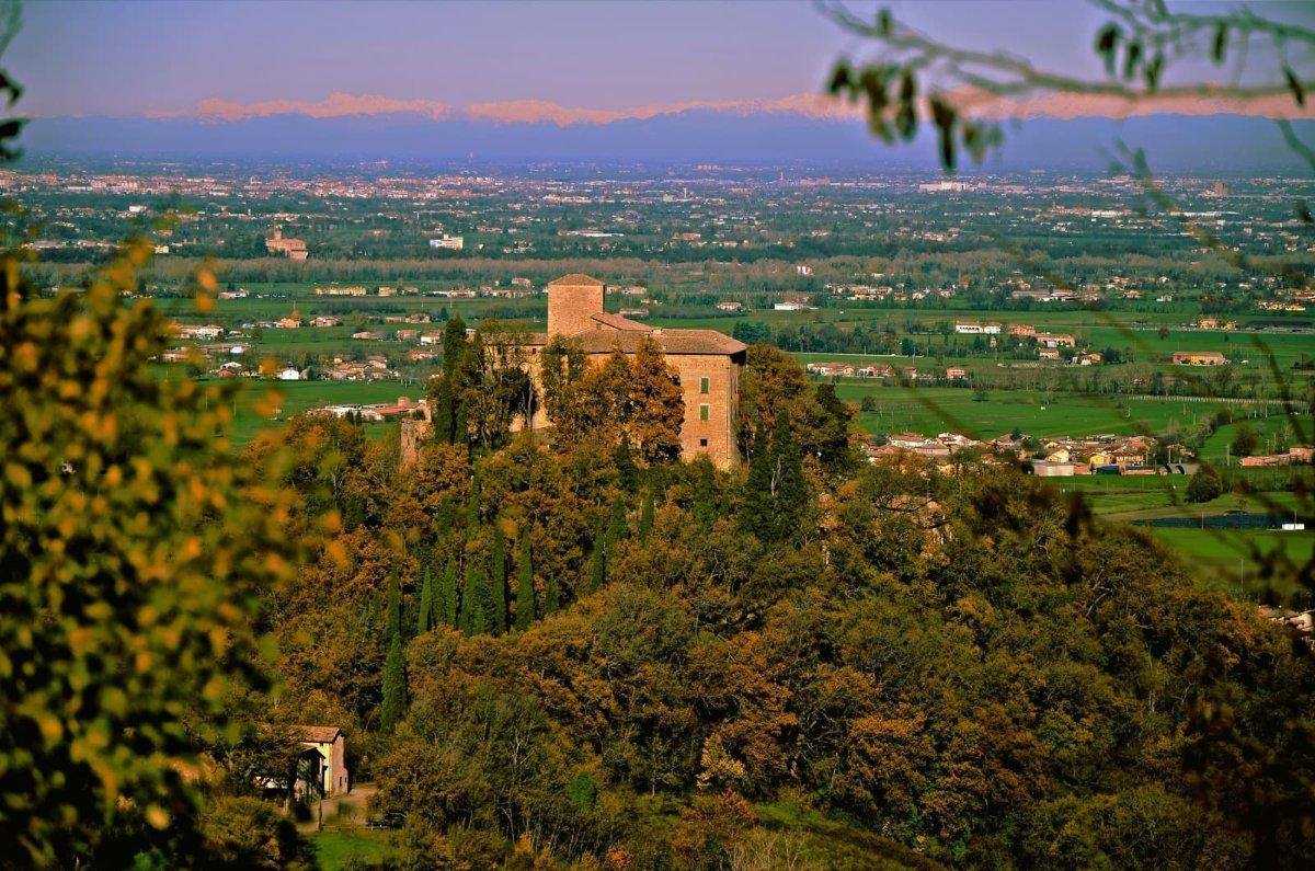 event-Passeggiata Serale con Pizzata tra i Castelli di Canossa