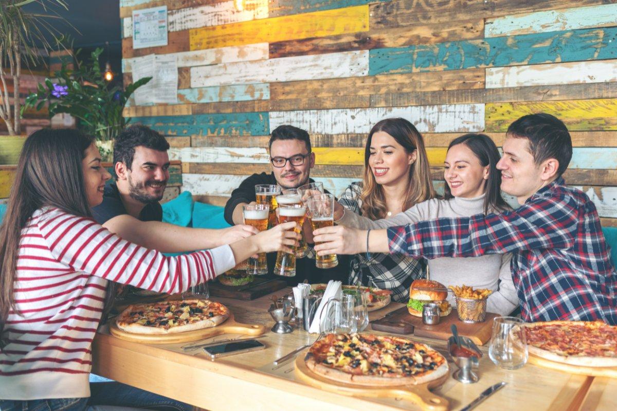 event-Festa dei Single Meeters: Pizzata nel Cuore di Milano [età 25-40]
