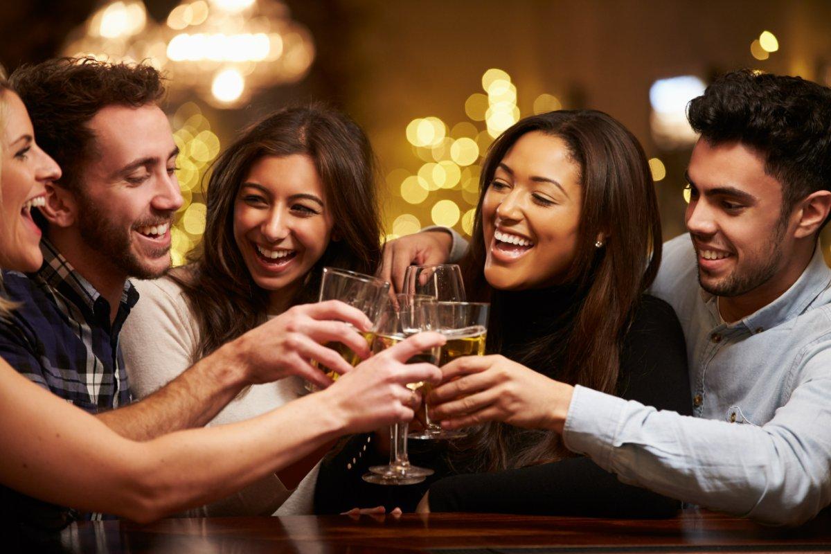 event-AperiMeeters al Neaera Lounge Bar di Bologna [età 25-40]