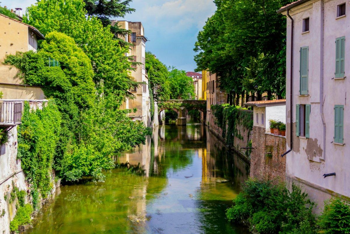event-Tra Fiumi, Laghi e Ponti: Tour Panoramico a Mantova, Città d'Acqua