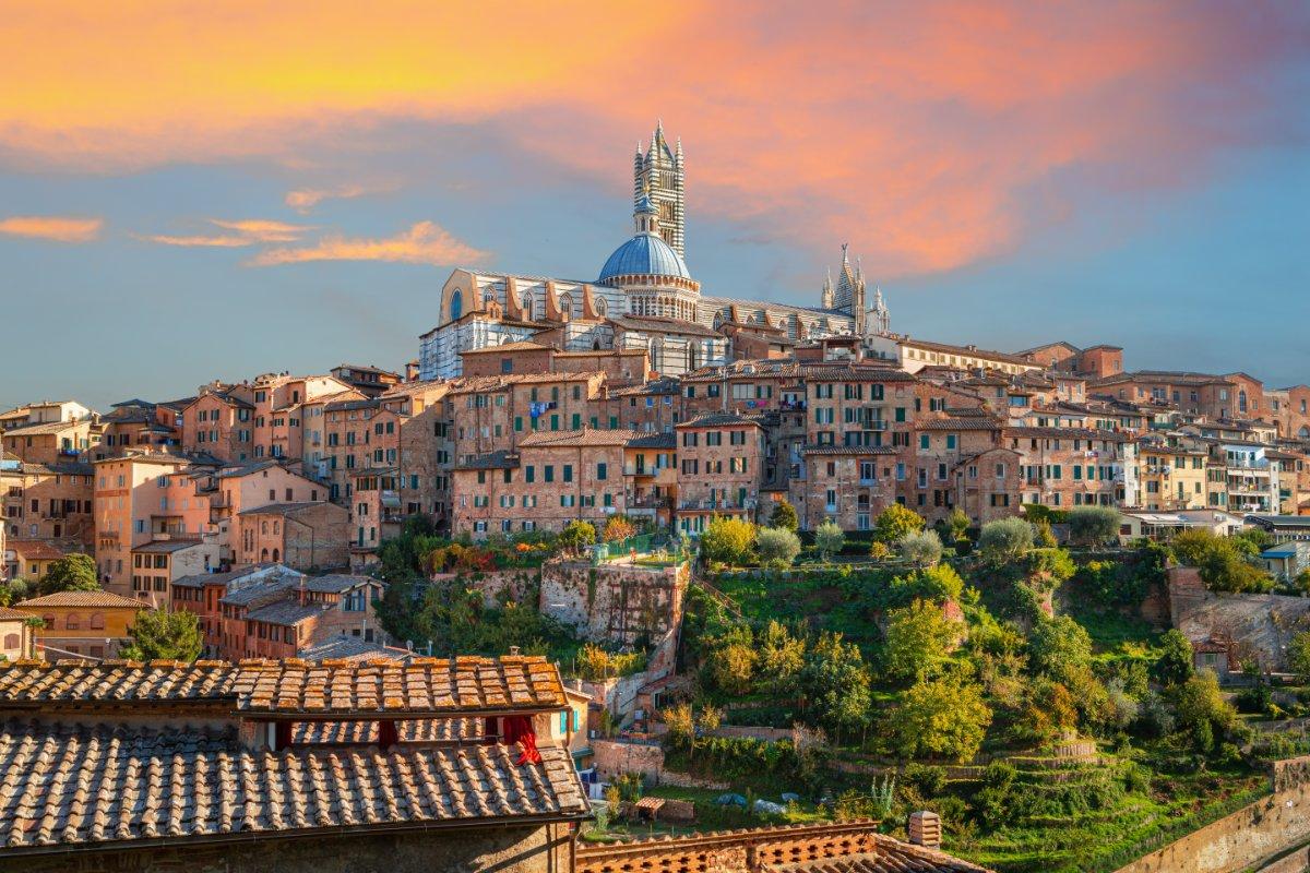 event-Due Giorni Tra Siena, Monteriggioni e San Gimignano. Viaggio in Bus